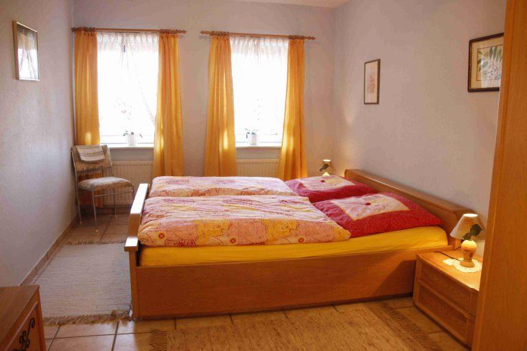 SchlafzimmerW01k