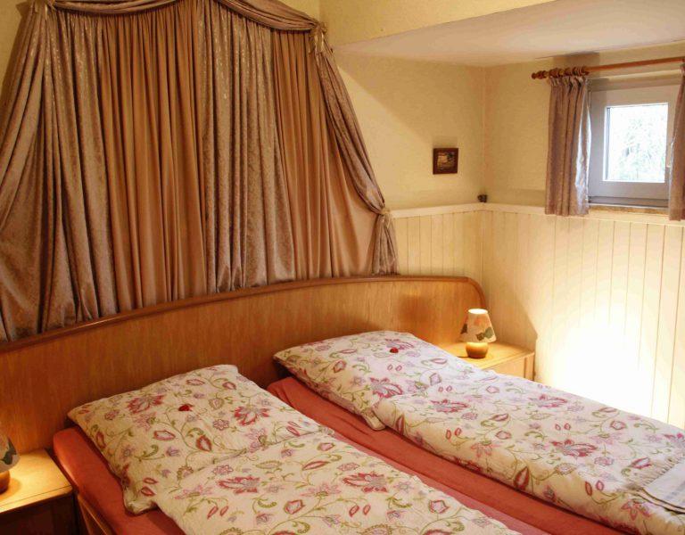 Schlafzimmer04
